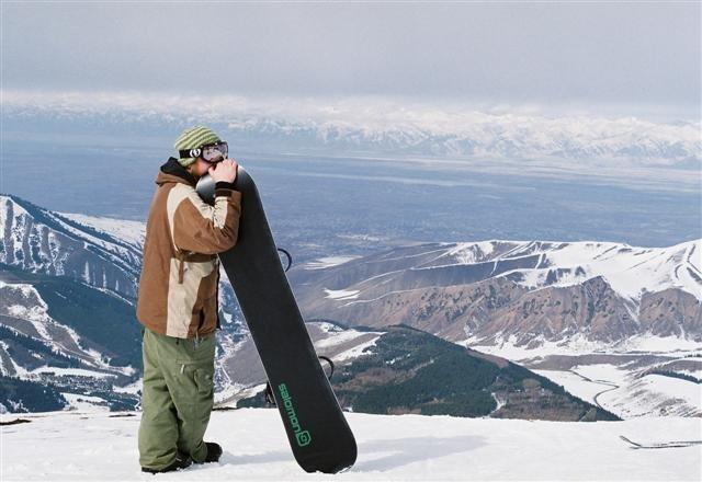 Julged lumelaudurid sõidavad 2013 aasta veebruaris Aasia Ekspressiga Kõrgõzstani