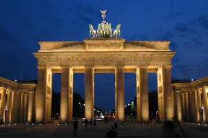 100 tundi Berliinis