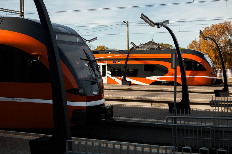 Üha rohkem reisijaid valib sõiduks raudtee