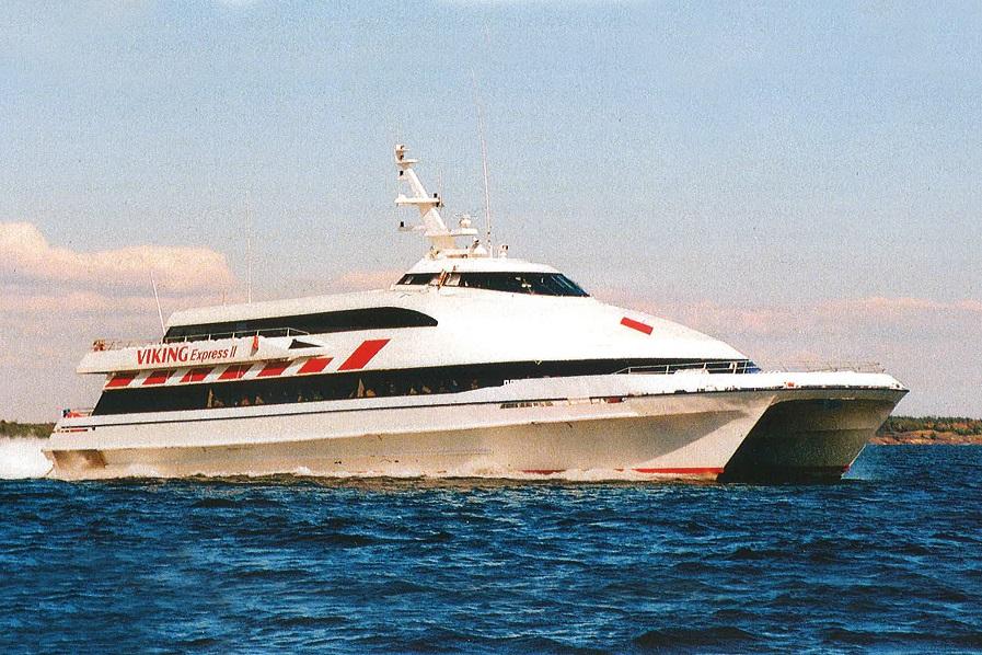 Viking Express II 10.04-09.12.1995 ja 06.05-30.09.1996, 296 reisijakohaga kiirkatamaraan