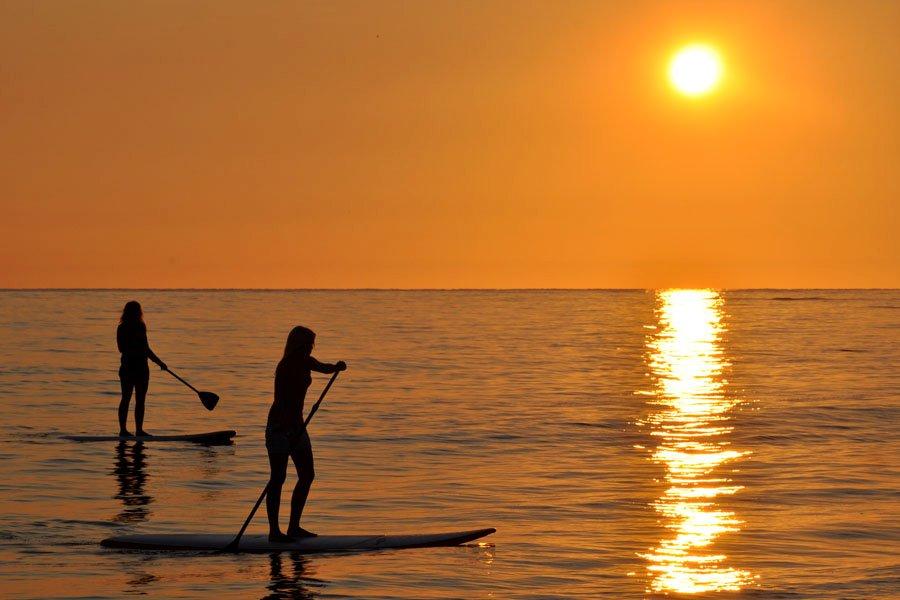 Õhtuti toimuvad Roosta rannal päikeseloojangupeod