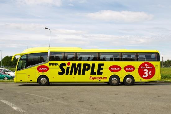 Odavbussifirma Simple Express alustab täna üheeuroste sõitudega
