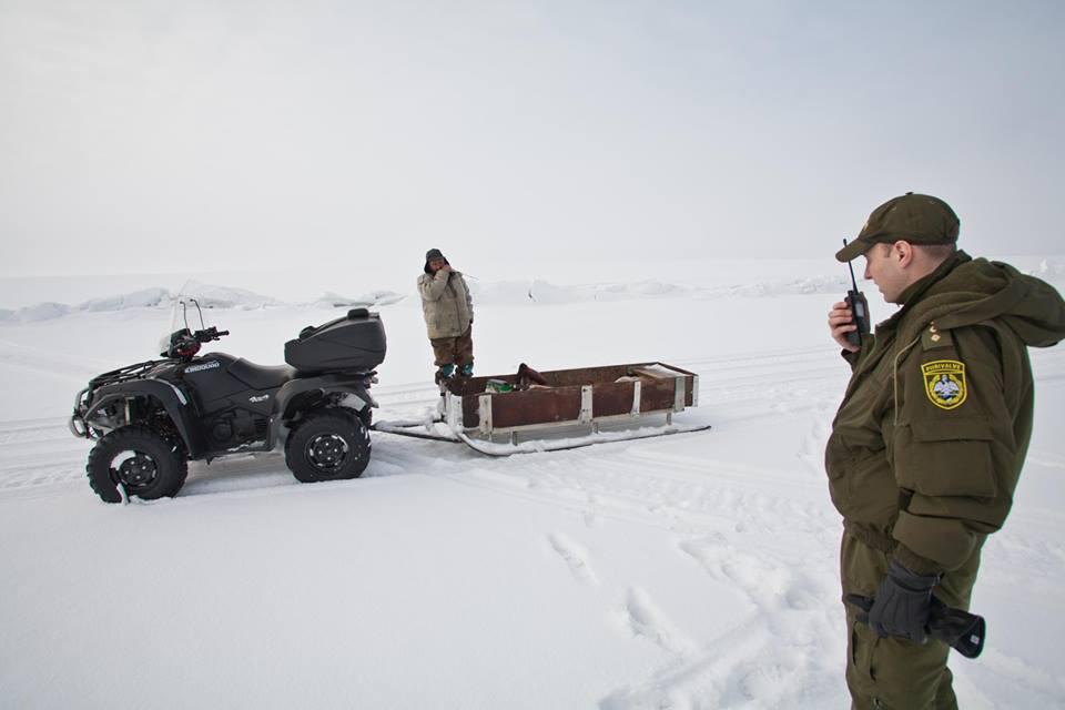 HOIA MEELES – PIMEDALE AJALE JÄÄMINE VÕIB OHTLIK OLLA! Politsei aitas Pärnumaal kalureid tagasi kaldale