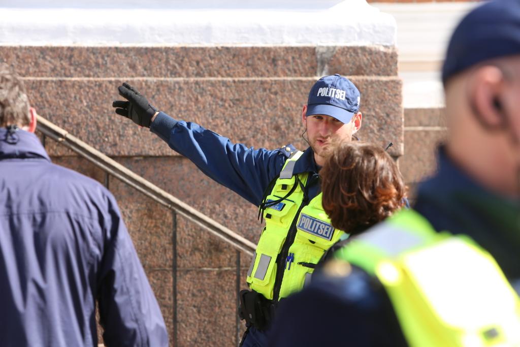 Politsei nõuanne: pidutse mõistlikult ja jõua koju turvaliselt