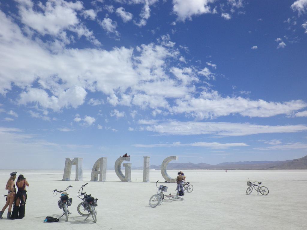 LUGU NEVADA KÕRBEST! Burning Man – festival, kus inimesed saavad elada täpselt sellist elu nagu nad hinges soovivad