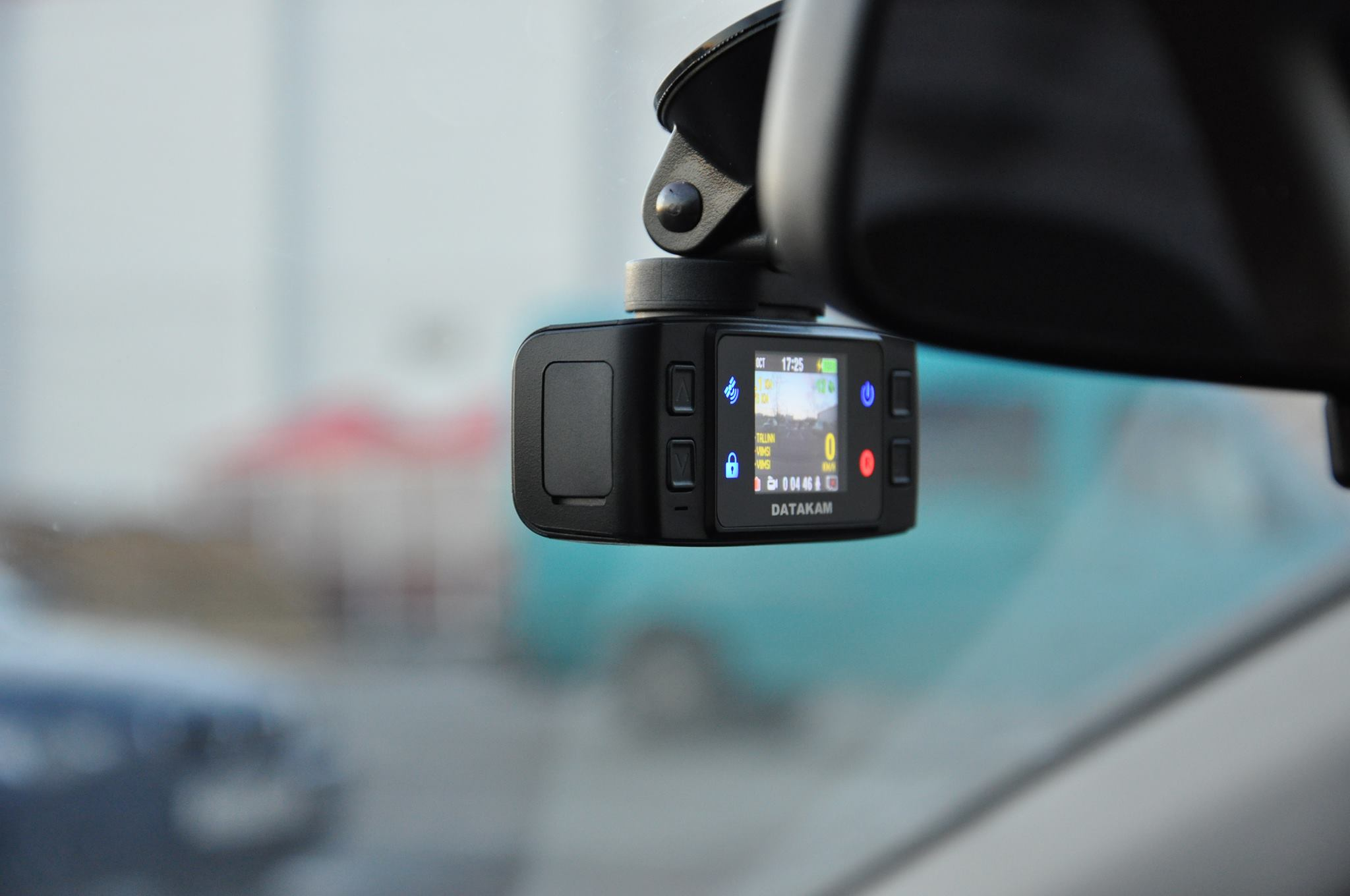 Ole teadlik! Autokaamerad aitavad kindlustusel lahendada mitmeid juhtumeid kuus