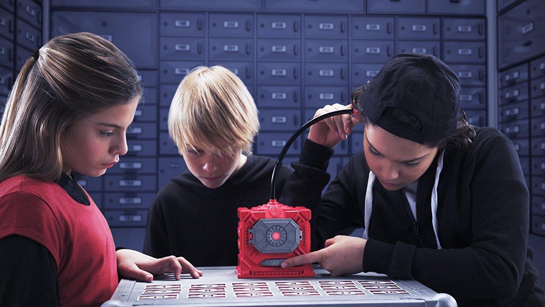 c865cad9a9f Muugi lahti salajased koodid, kogu kalliskive ja kulda – testi, kas oled  sündinud spiooniks! Komplektis on põnevad asjad nagu seif, stetoskoop,  mängukaardid ...