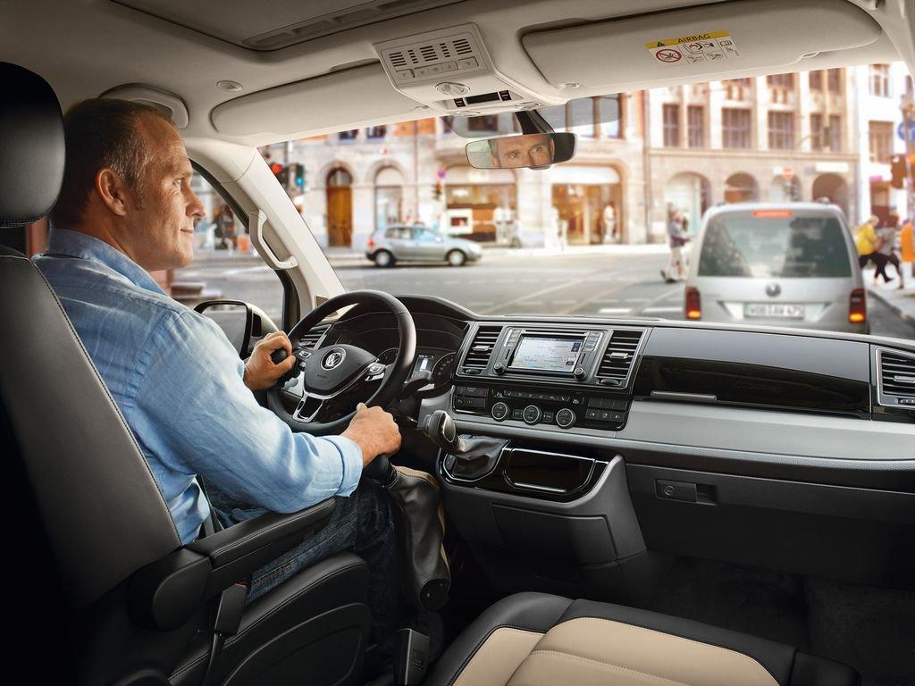 Kas teadsid, et 5% veokijuhtidest laulab roolis väsimuse peletamiseks?