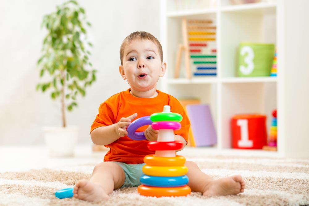 Muuda lapse suvi huvitavaks – millised on ägedad arendavad mänguasjad?