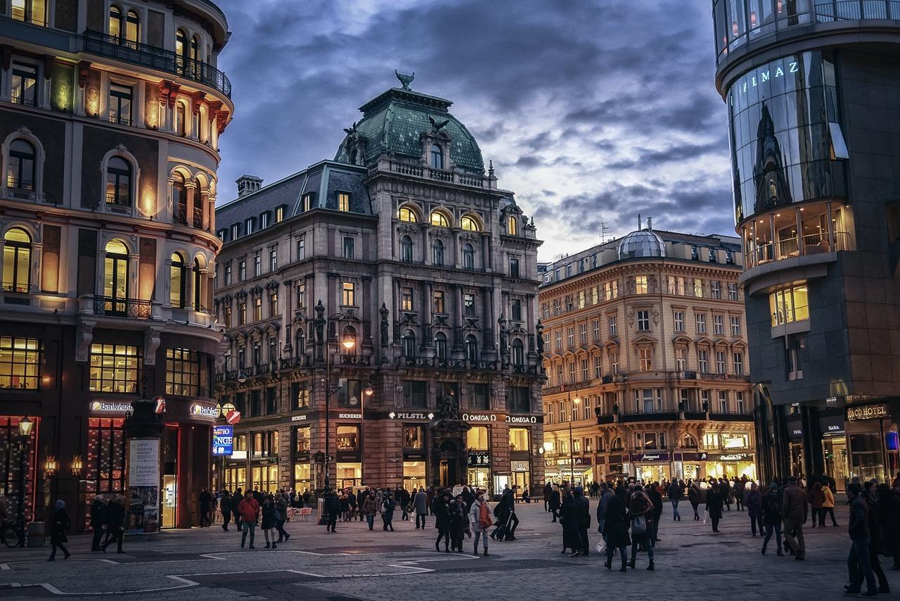 VIDEO! Viini kauni fassaadi taga peitub imeline linn