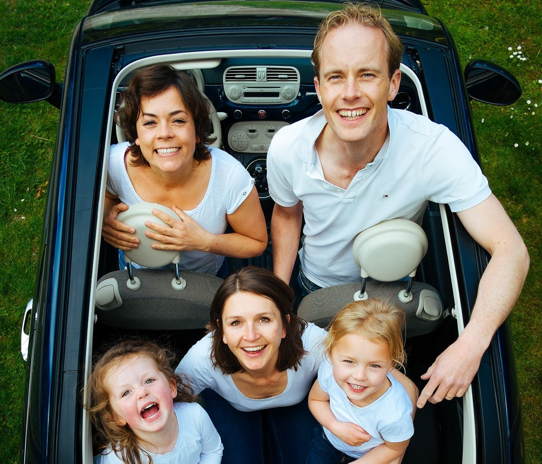Küsitluse tulemus! Kuidas Eesti pere autosõitudel enda aega sisustab?
