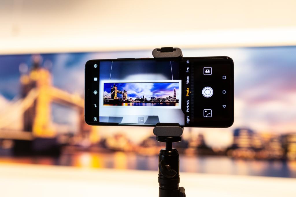 4 kriteeriumit, mida nutitelefoni valides silmas pidada: kaamera, aku kestvus, ekraan ja jõudlus