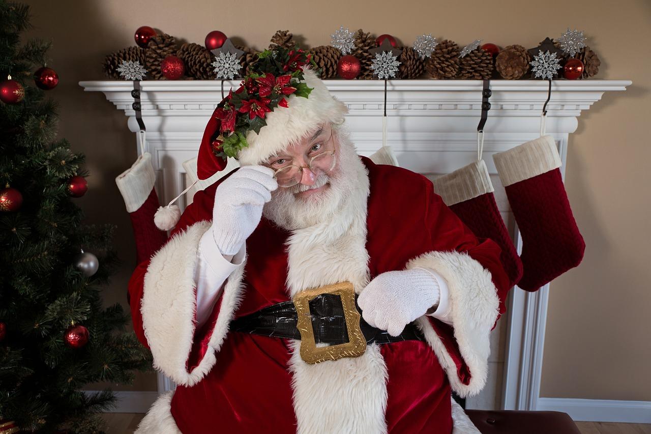 Kingiidee! 6 põhjust, miks jõuluvana kingikotti võiks poetada Isvara Joogakooli kinkekaardi