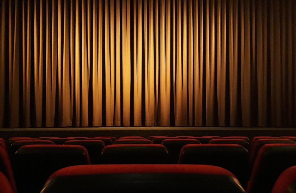 VIDEO I Prints William käis koos perekonnaga teatris pantomiimietendust vaatamas