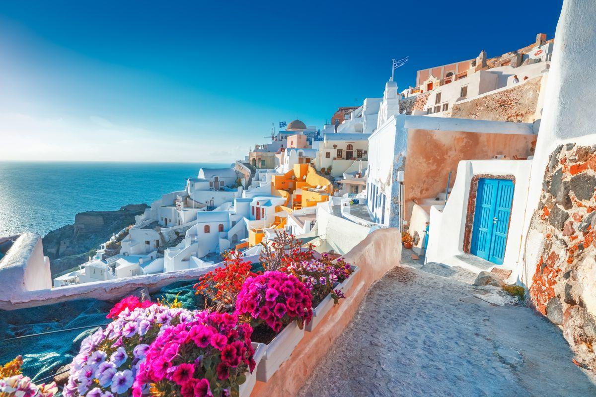 Santorini,,Greece.,Picturesq,View,Of,Traditional,Cycladic,Santorini,Houses,On